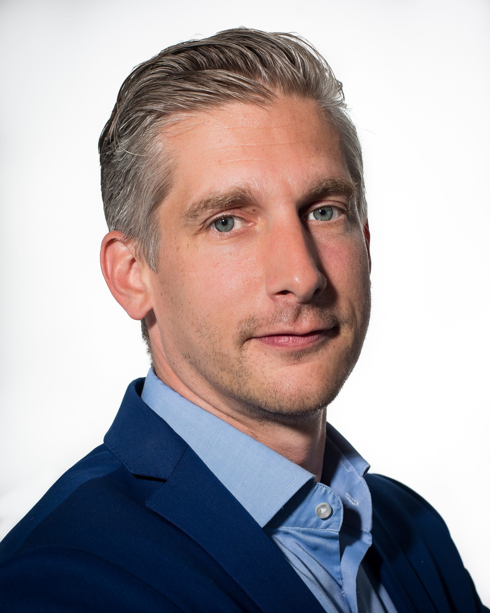 Clouddistributeur Uniserver neemt branchegenoot Denit over